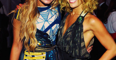 Miley Cyrus (right) with Demi Lovato (left)