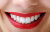 10 Delicious Ways to Whiten Your Teeth