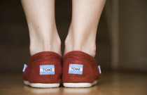 TOMS: Outfit Ideas and The Story Behind the Trend