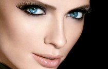 How to Get the False Eyelash Look With Only Mascara