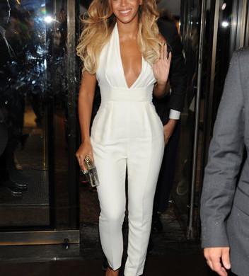Beyonce-white-jumpsuit-Gucci
