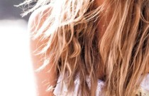 How To Achieve Natural Summer Highlights