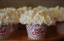 And the Oscar Goes to… Popcorn Cupcakes with M&Ms