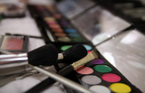 7 Likely Mistakes We Make When Applying Make-up