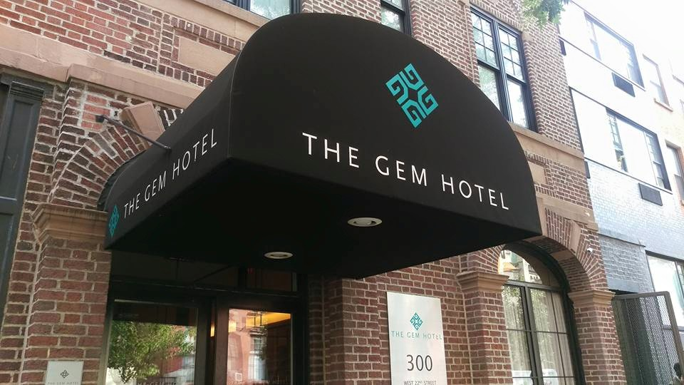 the gem hotel nyc review sarah scoop. Black Bedroom Furniture Sets. Home Design Ideas