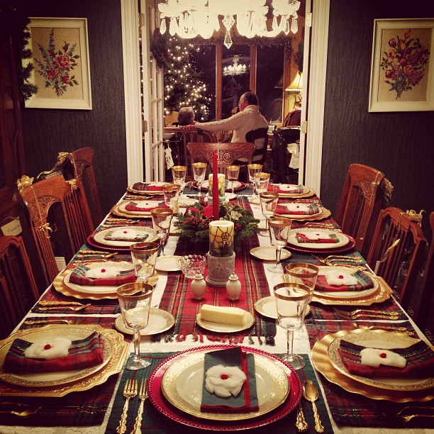 holiday_tableset