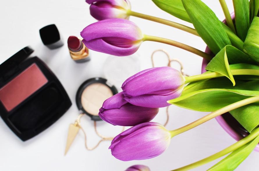 makeup-beauty-lipstick-make-up-large