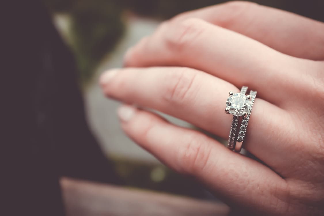 5 Engagement Ring Dilemmas Solved - Sarah Scoop