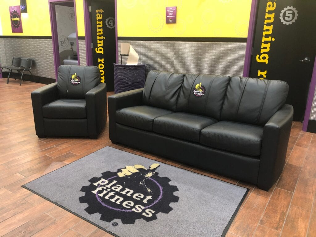 Planet Fitness lounge