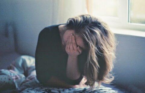 crying-alone-sad-girl-broken-heart