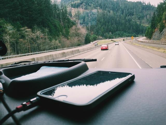 light-road-nature-iphone-2