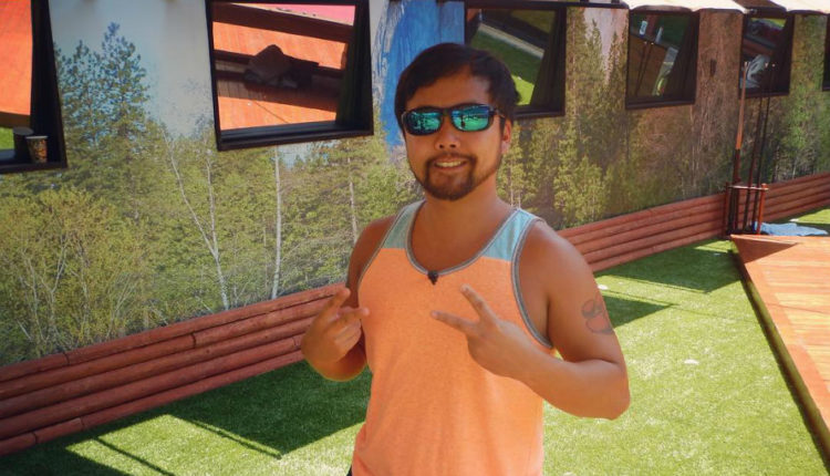 Huling posing for a picture in the Big Brother 18 house
