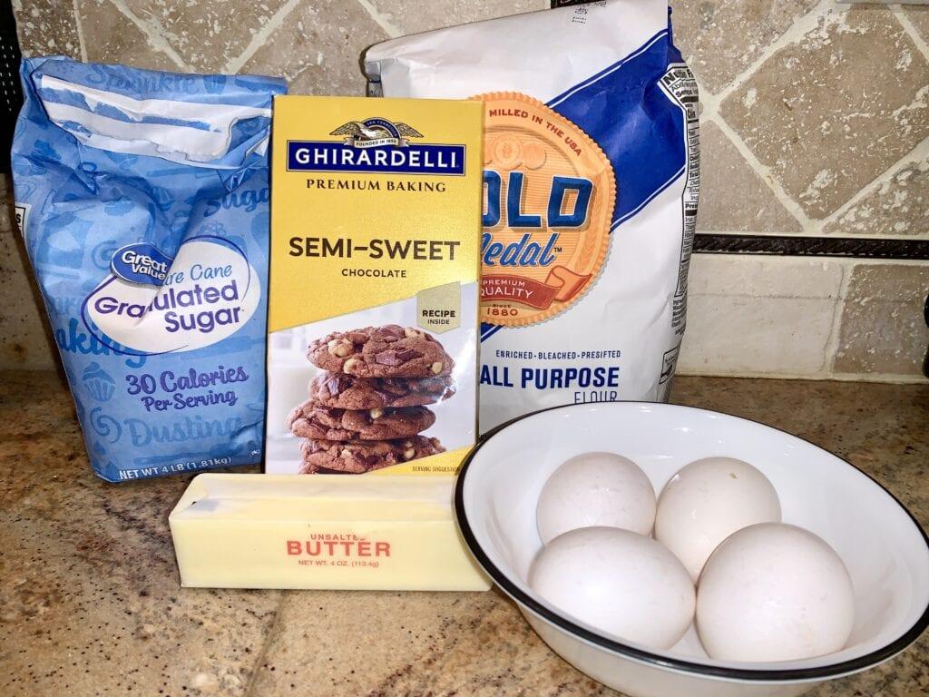 Five ingredients needed for mini bundt cakes