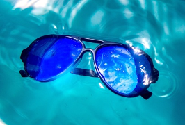 Father's Day gift: floating sunglasses