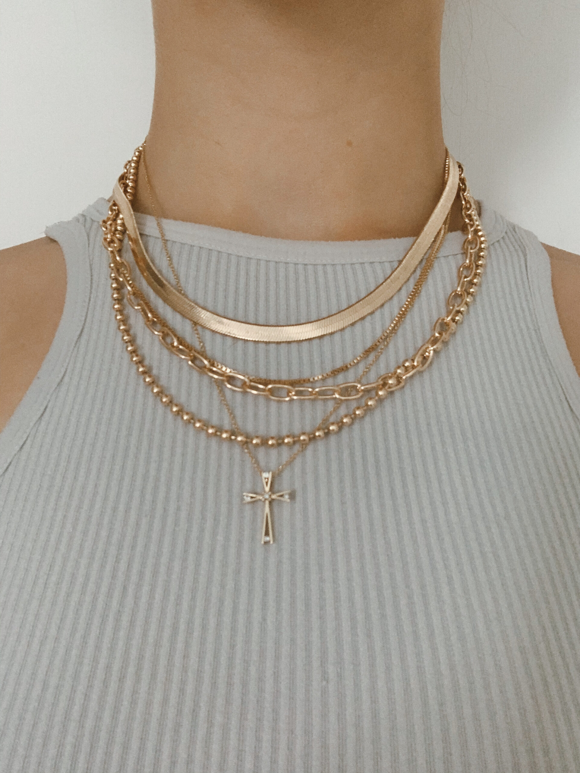 layered-necklace-jewelry-trend