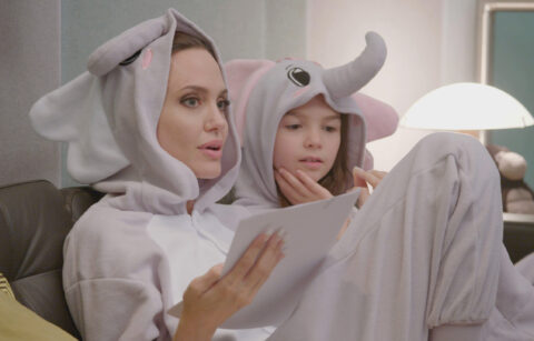 Angelina Jolie and Brooklynn Prince behind the scenes of Disney's THE ONE AND ONLY IVAN.