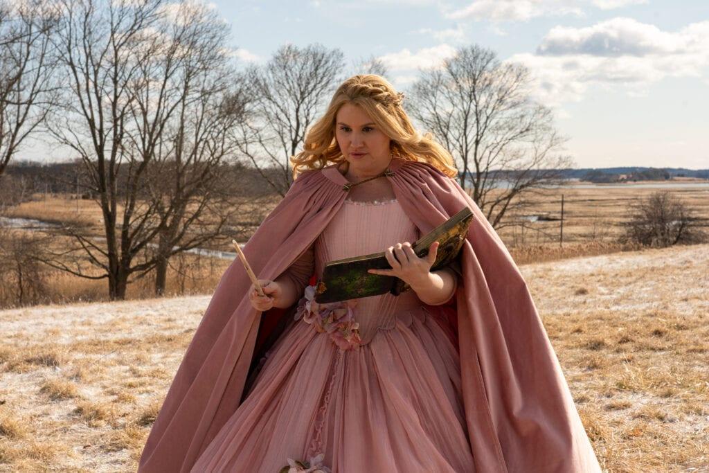 Jillian Bell as Eleanor